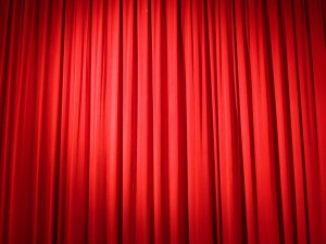 red_curtain